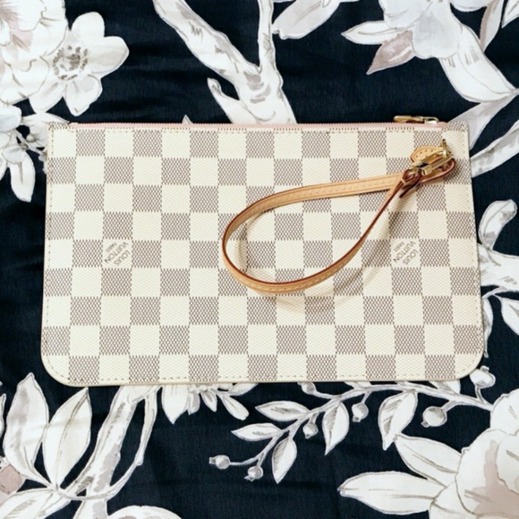 Louis Vuitton Handbags - Louis Vuitton Neverfull Clutch Rose Ballerine Azur